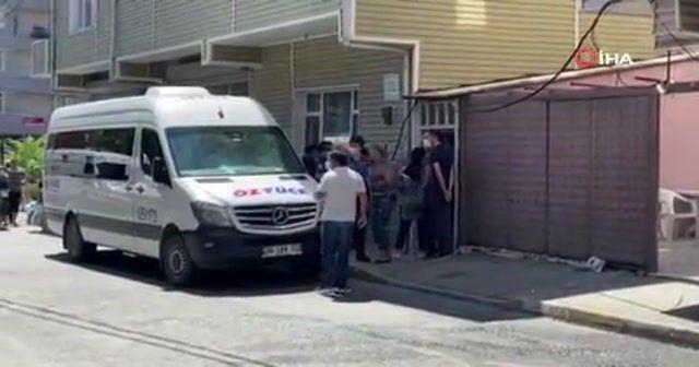 Akrabalar arasındaki kavga sokağa taştı: O anlar kamerada